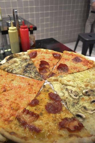 Foto Makanan di Sliced Pizzeria