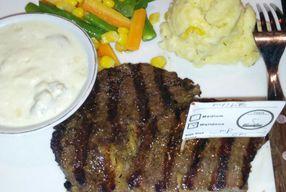 Foto 168 Calories Steak House & Coffee Bar