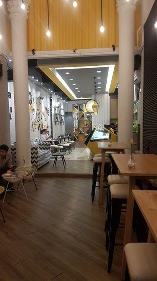 Foto 5 - Interior di MOONI Artisan Gelato oleh Lid wen
