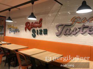 Foto 1 - Interior di Smack Burger oleh Icong