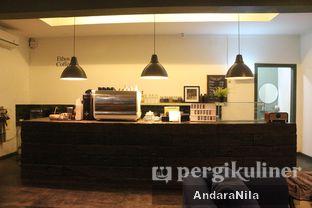 Foto 3 - Interior di Ethos Coffee oleh AndaraNila