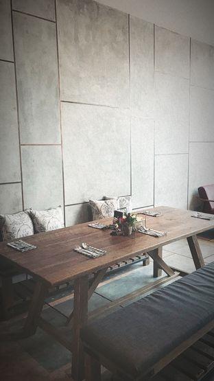 Foto 4 - Interior di Red Door Koffie House oleh Riris Hilda