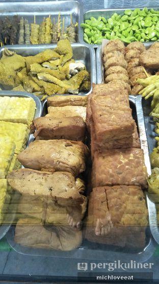 Foto 9 - Makanan di Nasi Uduk Kiko Sari oleh Mich Love Eat