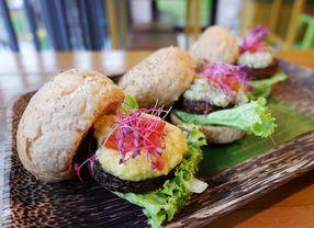 10 Restoran di Tebet Buat Kamu yang Bosan Makan di Mall
