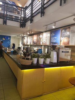 Foto 6 - Interior di Warung Kopi Limarasa oleh Widya WeDe