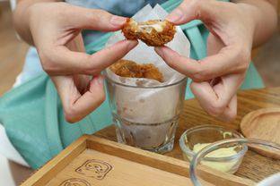 Foto 4 - Makanan(Mozzarella Chicken Ball) di North Pole Cafe oleh dk_chang