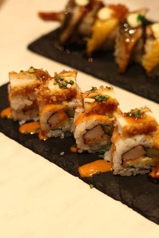 Foto 3 - Makanan di Kura Sushi oleh thehandsofcuisine
