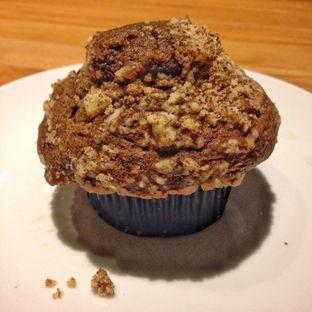 Foto - Makanan(coffee holic muffin) di Starbucks Coffee oleh Pengembara Rasa
