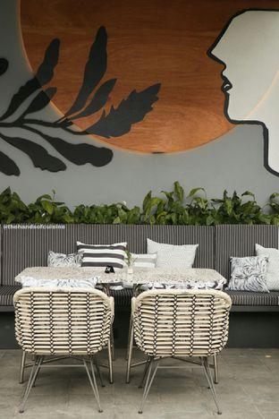 Foto 6 - Interior di Greyhound Cafe oleh thehandsofcuisine