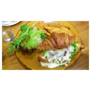 Foto 2 - Makanan(Beef & Mushroom Carbonara Sandwich ) di Bellamie Boulangerie oleh Novita Purnamasari