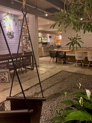 Foto 6 - Interior di Marka Coffee Kitchen oleh Fadhlur Rohman