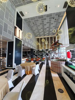 Foto review Voyage Restaurant - Harris Vertu Hotel oleh Vionna & Tommy 3