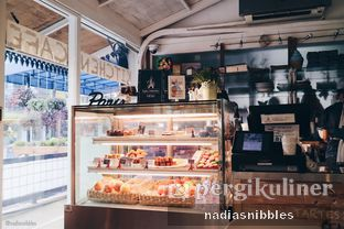 Foto 4 - Interior(corner) di Sophie Authentique French Bakery oleh Nadia Felita Sari