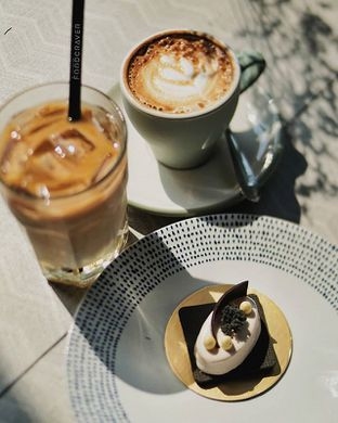 Foto review Hours Coffee & More oleh Christine Lie #FoodCraverID 1