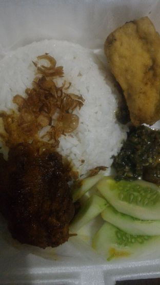 Foto - Makanan di Rezeki Cheaper & Delicious oleh Nurmaulidia
