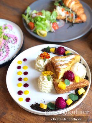 Foto 1 - Makanan di Burns Cafe oleh Cubi