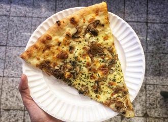 5 Pizza Enak di Kemang yang Wajib Kamu Coba