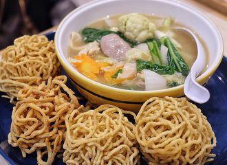 11 Tempat Makan di Jakarta Pusat Favorit Banyak Orang