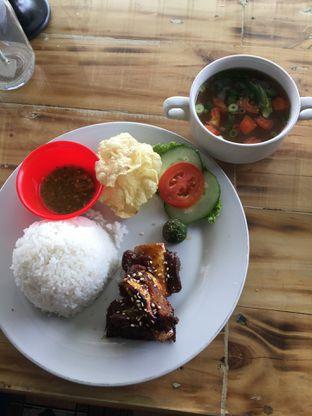 Foto 6 - Makanan(Iga Bakar Madu) di Breeve Hills Resto & Cafe oleh RI 347 | Rihana & Ismail