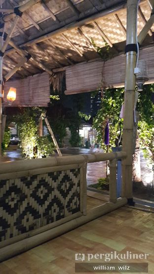 Foto 3 - Interior di Saung Bangker Cafe & Resto oleh William Wilz