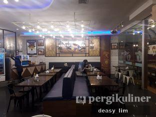 Foto 5 - Interior di Fish & Co. oleh Deasy Lim
