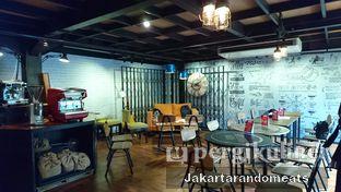 Foto 17 - Interior di Kopi Boutique oleh Jakartarandomeats