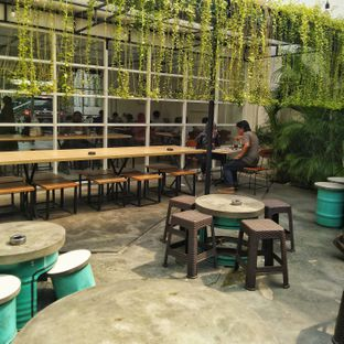 Foto review 404 Eatery & Coffee oleh Luthfizar Hilmandio Akbar 2