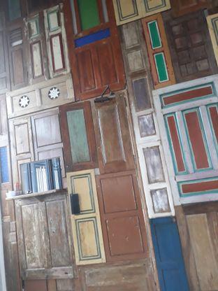 Foto 3 - Interior di Kowok Coffee & Gallery oleh Mouthgasm.jkt