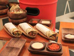 Foto Emado's Shawarma