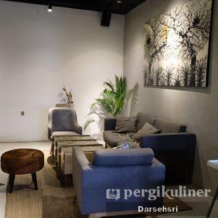 Foto 14 - Interior di Hygge Coffee oleh Darsehsri Handayani