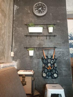 Foto 6 - Interior di Ruang Temu Coffee & Eatery oleh Fensi Safan