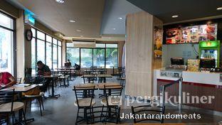 Foto 2 - Interior di KFC oleh Jakartarandomeats