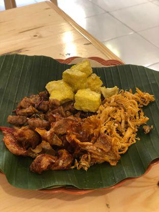 Foto 1 - Makanan di Nasi Pedas Bali Made oleh Oswin Liandow