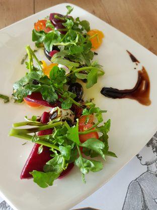Foto 1 - Makanan di Public House oleh Olivia @foodsid