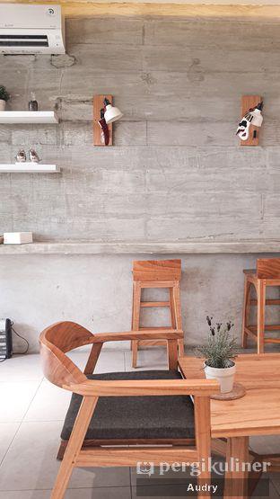 Foto 5 - Interior di Cotive oleh Audry Arifin @makanbarengodri