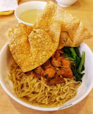 Foto 1 - Makanan di Bakmi GM oleh Eatandcrunch