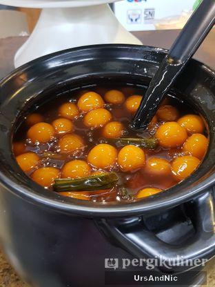 Foto 9 - Makanan di Es Pisang Ijo Cendana oleh UrsAndNic