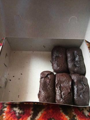 Foto 2 - Makanan di Kue Balok Brownies Mahkota oleh Wina M. Fitria