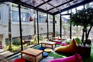 Foto 24 - Interior di Kode-in Coffee & Eatery oleh yudistira ishak abrar
