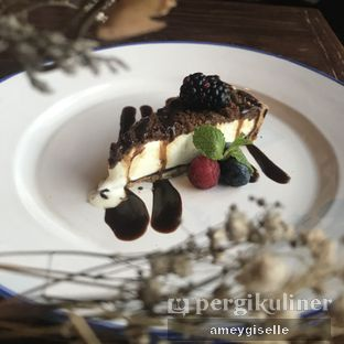 Foto 4 - Makanan di Roosevelt - Hotel Goodrich Suites oleh Hungry Mommy