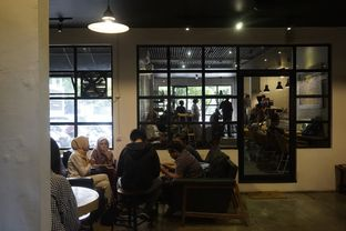 Foto 10 - Interior di The CoffeeCompanion oleh yudistira ishak abrar