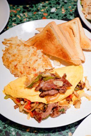Foto 8 - Makanan di Denny's oleh Indra Mulia