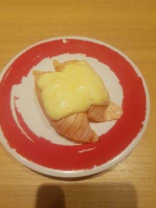 Foto 4 - Makanan(Salmon with garlic cheese) di Genki Sushi oleh Fika Sutanto