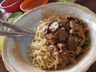 Foto 4 - Makanan di Mie Gajah Mada oleh Amrinayu