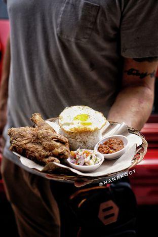 Foto 1 - Makanan di Ayam & B2 Panggang TGR 99 oleh Nanakoot