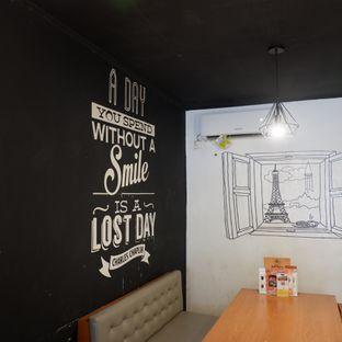 Foto 6 - Interior di Warung Porki oleh Doctor Foodie