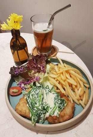 Foto 3 - Makanan(Creamy Spinach Fish & Cream) di Lula Kitchen & Coffee oleh Gembuli Tan
