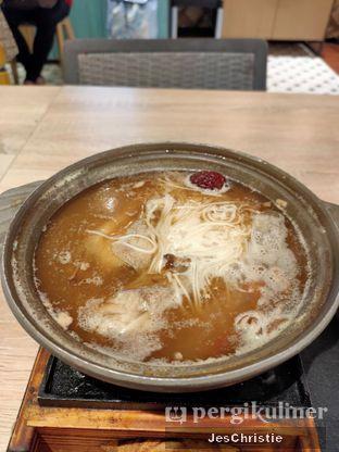Foto 3 - Makanan(Taiwanese Drunken Chicken Soup) di Formosan Kitchen & Tea Bar oleh JC Wen