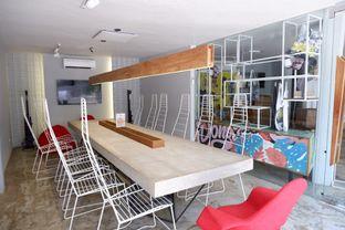 Foto 7 - Interior di Artwork Coffee Space oleh yudistira ishak abrar