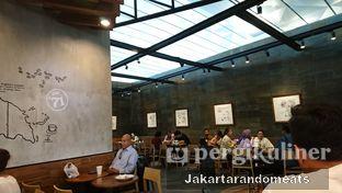 Foto review Starbucks Coffee oleh Jakartarandomeats 5